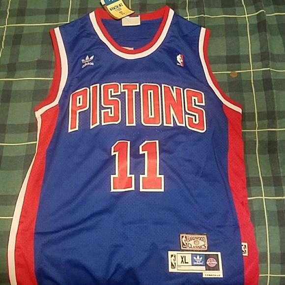 Detroit Pistons Jersey Isaiah Thomas 69dcb33d9